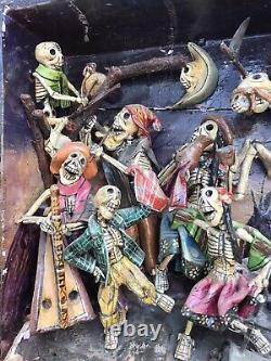 Peruvian Folk Art Day Of The Dead Celebrating Skeletons 3-D Retablo Scene