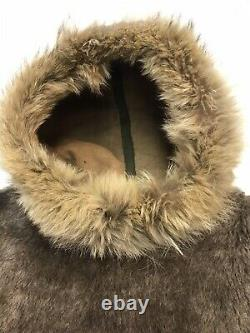Vintage WW2 US Army Heavy Pile Parka Liner Dead Stock Coyote Fur Trim Small